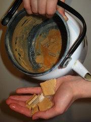 как удалить накипь в чайнике